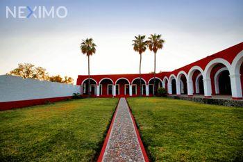 NEX-53879 - Rancho en Venta, con 9 recamaras, con 5 baños, con 5 medio baños, con 1280 m2 de construcción en Rincón de Parangueo, CP 38423, Guanajuato.