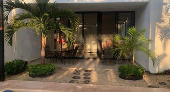 NEX-21327 - Casa en Venta en Temozon Norte, CP 97302, Yucatán, con 3 recamaras, con 3 baños, con 1 medio baño, con 250 m2 de construcción.