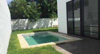 NEX-21460 - Casa en Renta en Temozon Norte, CP 97302, Yucatán, con 3 recamaras, con 3 baños, con 1 medio baño, con 240 m2 de construcción.