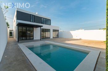 NEX-48747 - Casa en Venta, con 3 recamaras, con 4 baños, con 2 medio baños, con 400 m2 de construcción en Dzityá, CP 97302, Yucatán.