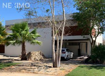 NEX-49505 - Casa en Venta, con 3 recamaras, con 3 baños, con 1 medio baño, con 280 m2 de construcción en Yucatán Country Club, CP 97308, Yucatán.