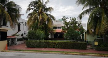 NEX-21757 - Casa en Renta en Zona Hotelera, CP 77500, Quintana Roo, con 2 recamaras, con 2 baños, con 180 m2 de construcción.