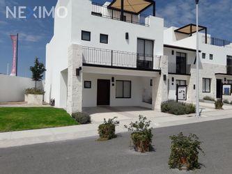 NEX-31451 - Casa en Venta, con 3 recamaras, con 2 baños, con 1 medio baño, con 151 m2 de construcción en Residencial el Refugio, CP 76146, Querétaro.