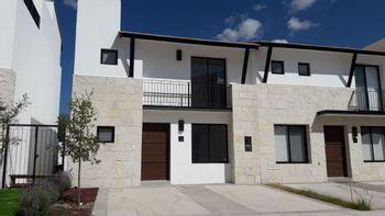 NEX-36332 - Casa en Venta en El Salitre, CP 76127, Querétaro, con 3 recamaras, con 2 baños, con 1 medio baño, con 188 m2 de construcción.