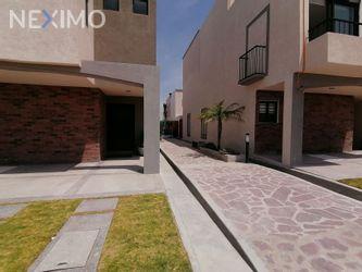 NEX-47005 - Casa en Venta, con 3 recamaras, con 2 baños, con 1 medio baño, con 258 m2 de construcción en Zirándaro, CP 37749, Guanajuato.