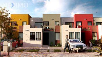 NEX-52087 - Casa en Venta, con 3 recamaras, con 2 baños, con 1 medio baño, con 137 m2 de construcción en Zirándaro, CP 37749, Guanajuato.
