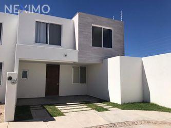 NEX-43960 - Casa en Renta, con 3 recamaras, con 2 baños, con 1 medio baño, con 200 m2 de construcción en Rancho Santa Mónica, CP 20286, Aguascalientes.