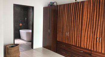 NEX-26281 - Casa en Renta en Estrella del Sur, CP 72190, Puebla, con 2 recamaras, con 3 baños, con 1 medio baño, con 180 m2 de construcción.