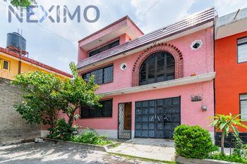 NEX-44154 - Casa en Venta, con 4 recamaras, con 1 baño, con 3 medio baños, con 180 m2 de construcción en Cuautepec Barrio Alto, CP 07100, Ciudad de México.