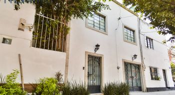 NEX-8940 - Casa en Venta en Del Valle Norte, CP 03103, Ciudad de México, con 4 recamaras, con 3 baños, con 2 medio baños, con 175 m2 de construcción.