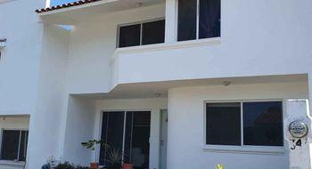 NEX-24251 - Casa en Renta en Lomas del Pedregal, CP 29089, Chiapas, con 3 recamaras, con 2 baños, con 1 medio baño, con 140 m2 de construcción.