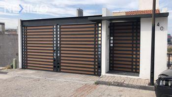 NEX-23667 - Casa en Venta, con 4 recamaras, con 2 baños, con 2 medio baños, con 255 m2 de construcción en Milenio 3a. Sección, CP 76060, Querétaro.