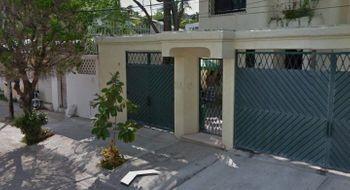 NEX-29545 - Casa en Venta en Costa Azul, CP 39850, Guerrero, con 3 recamaras, con 3 baños, con 1 medio baño, con 220 m2 de construcción.