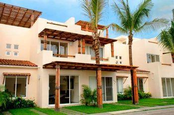 NEX-35627 - Casa en Venta en Barra Vieja, CP 39936, Guerrero, con 3 recamaras, con 3 baños, con 72 m2 de construcción.