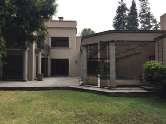 NEX-37318 - Casa en Venta en Lomas de Chapultepec VII Sección, CP 11000, Ciudad de México, con 4 recamaras, con 4 baños, con 1 medio baño, con 688 m2 de construcción.