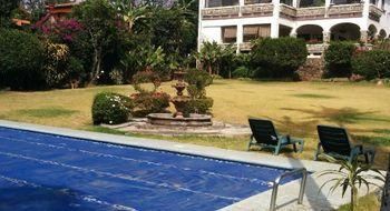 NEX-23992 - Casa en Venta en Tlaltenango, CP 62170, Morelos, con 5 recamaras, con 4 baños, con 595 m2 de construcción.