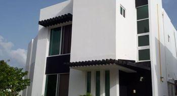 NEX-24085 - Casa en Venta en Supermanzana 326, CP 77536, Quintana Roo, con 3 recamaras, con 2 baños, con 1 medio baño, con 110 m2 de construcción.