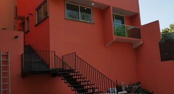 NEX-23763 - Casa en Venta en Cuchilla de Padierna, CP 14220, Ciudad de México, con 4 recamaras, con 4 baños, con 1 medio baño, con 215 m2 de construcción.