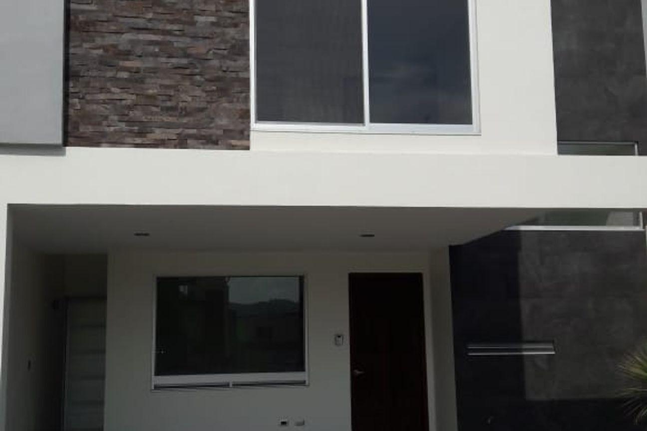 Se Vende  Casa en Angelópolis, Santa Clara Ocoyucan, Pue. (Junto a la Ciudad de Puebla, Pue.)