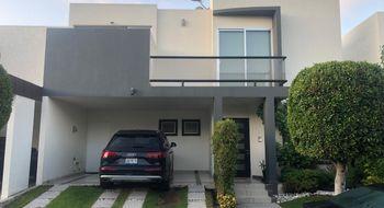 NEX-25462 - Casa en Venta en Lomas de Angelópolis, CP 72830, Puebla, con 3 recamaras, con 2 baños, con 1 medio baño, con 230 m2 de construcción.