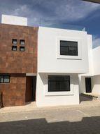 NEX-35332 - Casa en Venta en Cuautlancingo, CP 72703, Puebla, con 3 recamaras, con 2 baños, con 1 medio baño, con 146 m2 de construcción.
