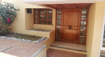 NEX-24669 - Casa en Renta en Ciudad Satélite, CP 53100, México, con 4 recamaras, con 2 baños, con 1 medio baño, con 250 m2 de construcción.