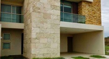 NEX-24552 - Casa en Venta en Lomas del Sol, CP 95264, Veracruz de Ignacio de la Llave, con 3 recamaras, con 2 baños, con 1 medio baño, con 340 m2 de construcción.