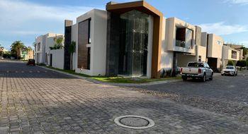 NEX-25469 - Casa en Venta en Real de Zavaleta, CP 72197, Puebla, con 3 recamaras, con 3 baños, con 1 medio baño, con 455 m2 de construcción.