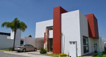 NEX-25812 - Casa en Venta en Emiliano Zapata, CP 72824, Puebla, con 5 recamaras, con 4 baños, con 1 medio baño, con 315 m2 de construcción.