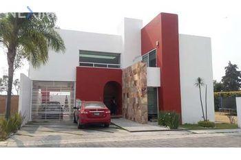 NEX-25812 - Casa en Venta, con 4 recamaras, con 4 baños, con 1 medio baño, con 315 m2 de construcción en Emiliano Zapata, CP 72824, Puebla.