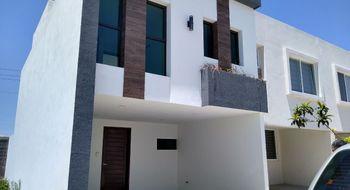 NEX-26018 - Casa en Venta en Cholula, CP 72760, Puebla, con 3 recamaras, con 2 baños, con 1 medio baño, con 135 m2 de construcción.