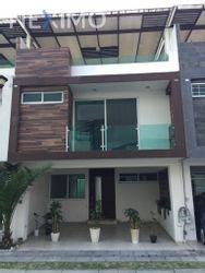 NEX-37930 - Casa en Renta, con 3 recamaras, con 3 baños, con 2 medio baños, con 135 m2 de construcción en San José Chapulco, CP 72494, Puebla.