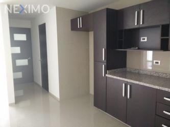 NEX-46663 - Departamento en Renta, con 2 recamaras, con 2 baños, con 1 medio baño, con 100 m2 de construcción en Santiago Momoxpan, CP 72775, Puebla.