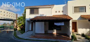 NEX-56339 - Casa en Renta, con 3 recamaras, con 2 baños, con 1 medio baño, con 217 m2 de construcción en Lomas de Angelópolis, CP 72830, Puebla.