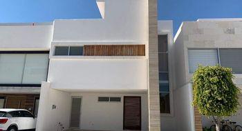 NEX-25752 - Casa en Venta en Angelopolis, CP 72193, Puebla, con 4 recamaras, con 5 baños, con 274 m2 de construcción.