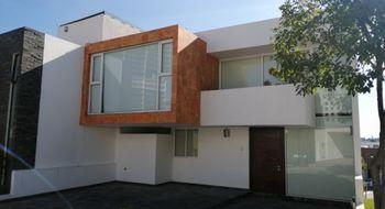 NEX-26807 - Casa en Renta en Lomas de Angelópolis, CP 72830, Puebla, con 3 recamaras, con 4 baños, con 253 m2 de construcción.