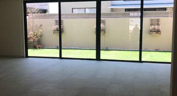 NEX-24811 - Casa en Venta en El Salitre, CP 76127, Querétaro, con 3 recamaras, con 3 baños, con 1 medio baño, con 316 m2 de construcción.