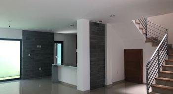 NEX-25130 - Casa en Venta en Milenio 3a. Sección, CP 76060, Querétaro, con 3 recamaras, con 3 baños, con 2 medio baños, con 330 m2 de construcción.