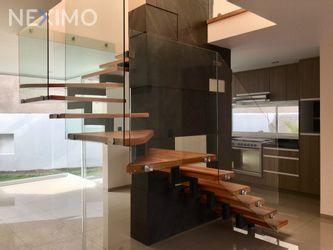 NEX-30324 - Casa en Venta, con 3 recamaras, con 2 baños, con 1 medio baño, con 146 m2 de construcción en Milenio 3a. Sección, CP 76060, Querétaro.