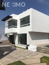 NEX-30326 - Casa en Venta, con 3 recamaras, con 2 baños, con 1 medio baño, con 146 m2 de construcción en Milenio 3a. Sección, CP 76060, Querétaro.
