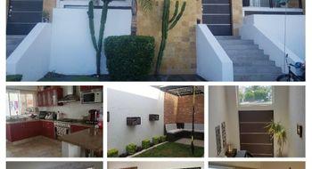 NEX-31294 - Casa en Renta en Juriquilla Santa Fe, CP 76230, Querétaro, con 3 recamaras, con 3 baños, con 1 medio baño, con 175 m2 de construcción.