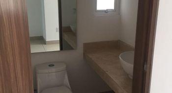 NEX-33180 - Casa en Renta en Residencial el Refugio, CP 76146, Querétaro, con 3 recamaras, con 2 baños, con 1 medio baño, con 160 m2 de construcción.