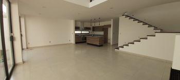 NEX-35446 - Casa en Venta en Zibatá, CP 76269, Querétaro, con 4 recamaras, con 4 baños, con 395 m2 de construcción.