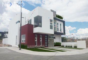 NEX-35448 - Casa en Venta, con 4 recamaras, con 4 baños, con 285 m2 de construcción en Santa Rosa de Jauregui, CP 76233, Querétaro.
