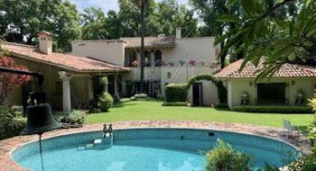 NEX-25209 - Casa en Renta en Acapatzingo, CP 62493, Morelos, con 8 recamaras, con 8 baños, con 1 medio baño, con 614 m2 de construcción.
