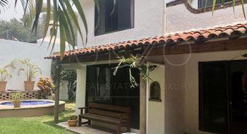 NEX-25216 - Casa en Renta en La Cañada, CP 62324, Morelos, con 3 recamaras, con 2 baños, con 1 medio baño, con 200 m2 de construcción.