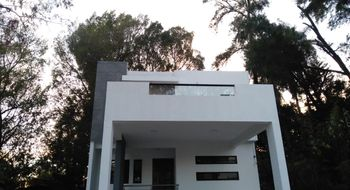 NEX-28676 - Casa en Venta en Tetela del Monte, CP 62130, Morelos, con 3 recamaras, con 3 baños, con 1 medio baño, con 200 m2 de construcción.
