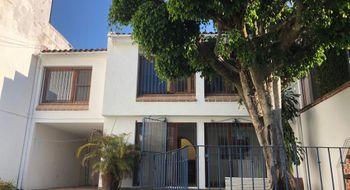 NEX-29805 - Casa en Renta en San Jerónimo, CP 62179, Morelos, con 3 recamaras, con 2 baños, con 1 medio baño, con 186 m2 de construcción.