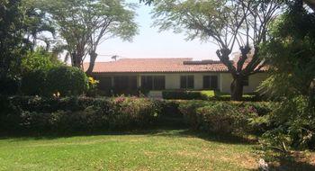 NEX-32525 - Casa en Venta en Tabachines, CP 62498, Morelos, con 4 recamaras, con 4 baños, con 1 medio baño, con 550 m2 de construcción.