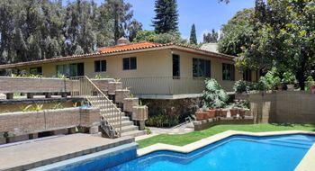 NEX-33603 - Casa en Venta en Rancho Cortes, CP 62120, Morelos, con 4 recamaras, con 5 baños, con 1 medio baño, con 454 m2 de construcción.